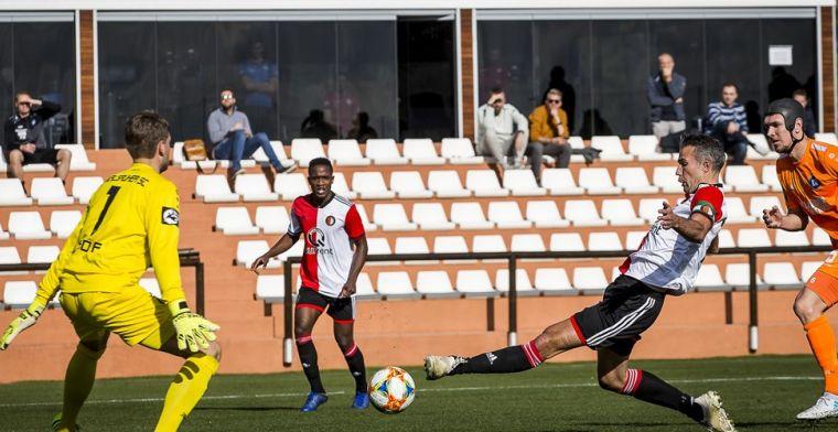 Van Persie de grote man in oefenduel Feyenoord: Duitsers met 4-2 verslagen
