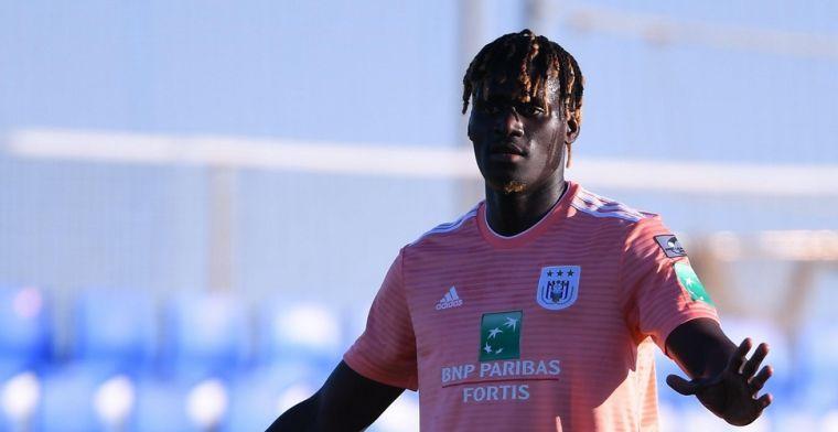 Mbodji wilde heel graag naar huis: ''Anderlecht is mijn familie''