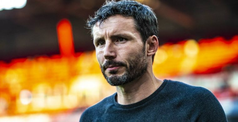 Van Bommel maakt zich zorgen om Lozano: 'Het ziet er niet goed uit'