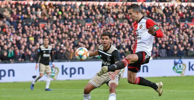 Ajax streeft Feyenoord voorbij en neemt cheque van 1,5 miljoen euro in ontvangst