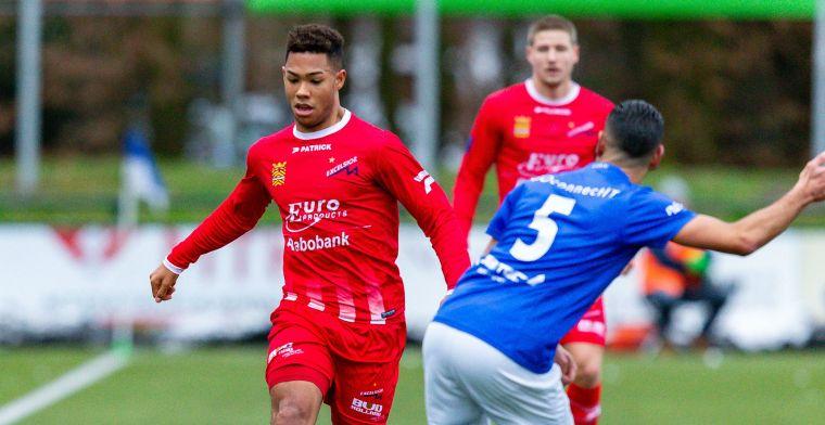 'Na ADO en Excelsior ook PEC Zwolle in de markt voor gewilde rechtsback'