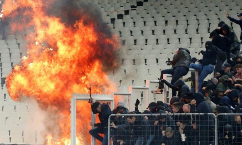 Afbeelding: Ajax gaat vrijuit na rellen in Athene: AEK wél zwaar gestraft door UEFA
