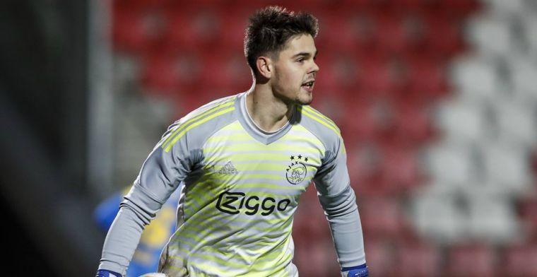 Twijfels bij Ajax: 'Moeten we een doelman aantrekken of is hij er al klaar voor?'