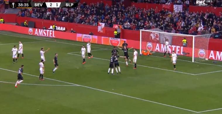 Verdediger Genk-beul scoort tegen Sevilla, maar heeft dat zelf niet door