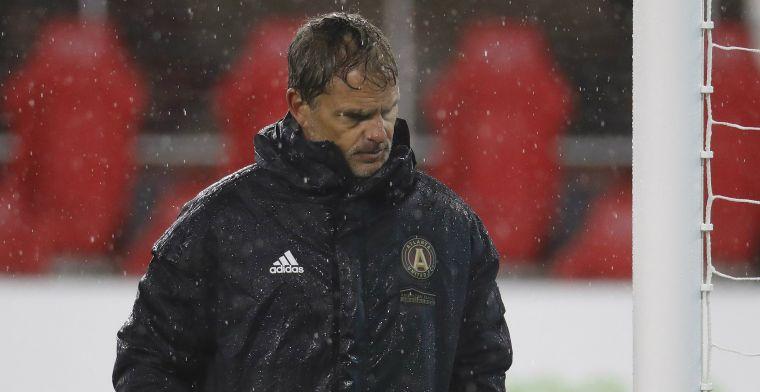 Protestactie Atlanta-fans na rampstart De Boer: 'Waarom is hij zo koppig?'