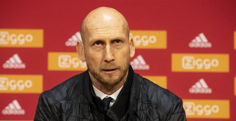 Stam vindt dat 2-1 van Ajax niet had mogen tellen: 'Moet het spel stil leggen'
