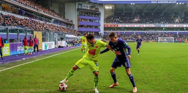'Anderlecht en KAA Gent gaan een stevige transferstrijd aan voor aanvaller'