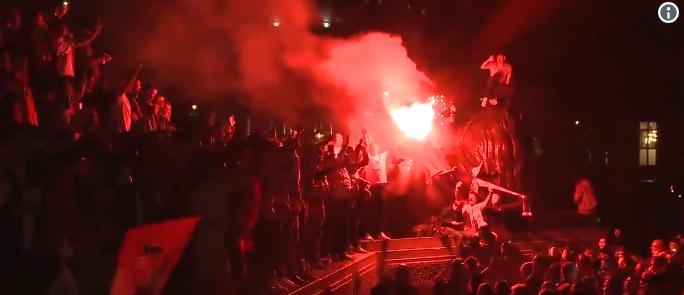 Ongekende beelden: Sunderland-fans reizen hele land door en nemen Londen over