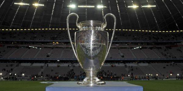 Gesprekken over nieuwe Champions League: 'Vier poules van acht teams'