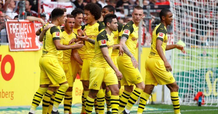Uitblinker Reus schiet Borussia Dortmund weer dichter bij koploper Bayern München