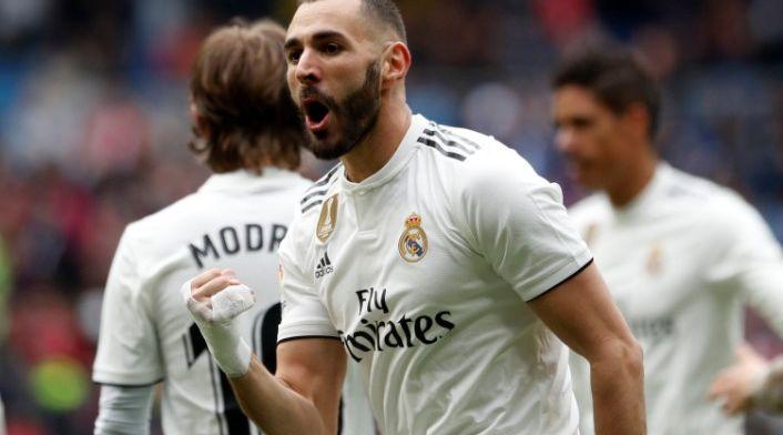 Benzema maakt zich onsterfelijk met hattrick bij winnend Real Madrid