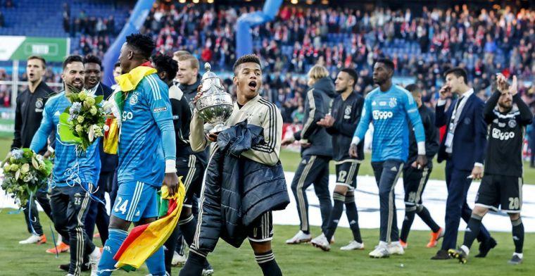 Neres vraagteken voor Ajax: 'Gaat nog trainen, maar ik houd een slag om de arm'