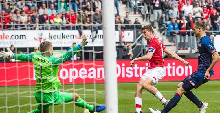 Ongeïnspireerd PSV verliest in Alkmaar en kan landstitel vergeten