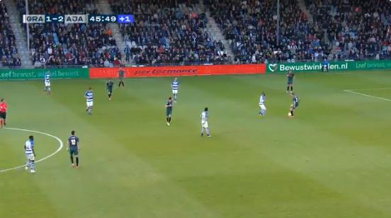 Opmerkelijk: Ajax zet schaar in broekje van 'machtige' De Ligt