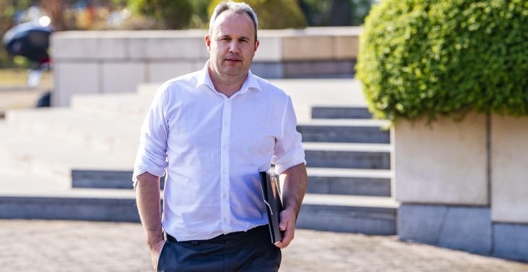'Verhaegen (KBVB) had informele contacten met de advocaat van Waasland-Beveren'