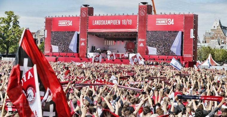 LIVE: Huldiging landskampioen en bekerwinnaar Ajax op Museumplein afgelopen