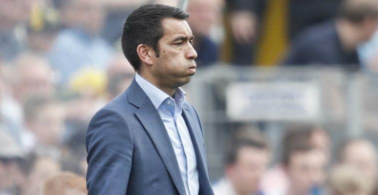 Van Bronckhorst: 'Ajax-talenten beter? Die van ons hebben minder weerstand'