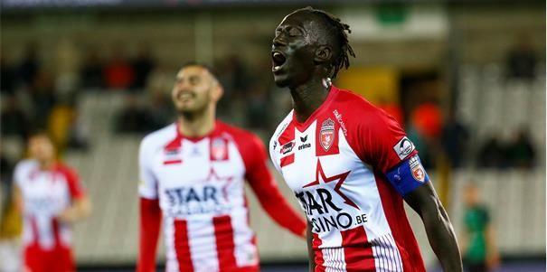 OFFICIEEL: Leye (36) zwaait af, Senegalese goalgetter stopt als profvoetballer