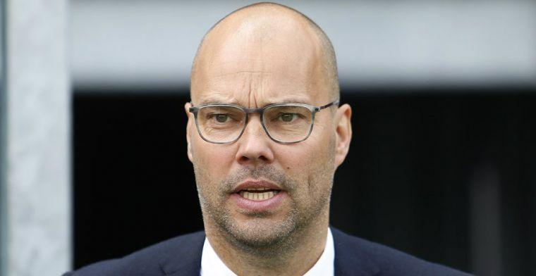 VI: Dubbel machtsvacuüm dreigt in Zwolle, Amerikanen praten met directeur Nijkamp