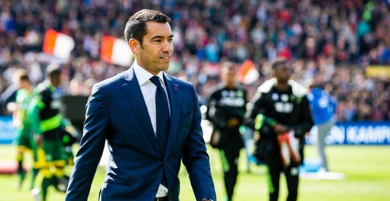 Van Bronckhorst: 'Hoe is het mogelijk dat Ajax zo presteert? Dat is uitzonderlijk'