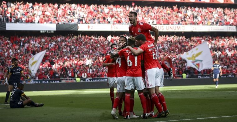 Benfica houdt zenuwen in bedwang en wordt op slotdag kampioen van Portugal