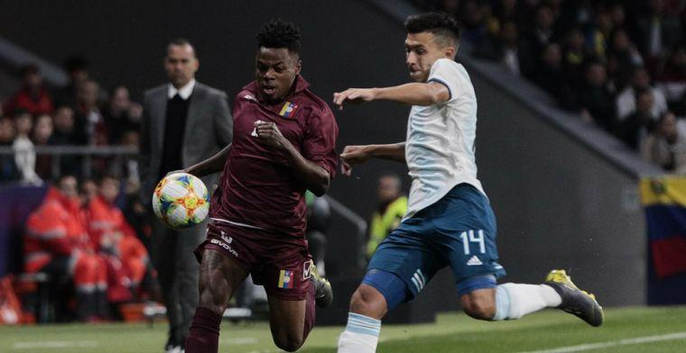Ajax maakt transfer wereldkundig: Martinez tekent voor vier jaar in Amsterdam