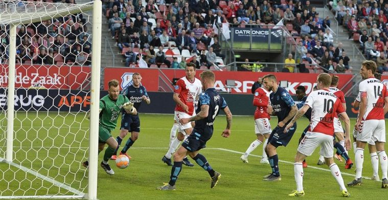 Vitesse houdt licht voordeel over aan uitduel in Utrecht en kan het gaan afmaken