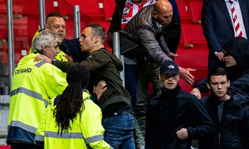Afbeelding: Tijdens opstootje valt fan van tribune: 'Zwaargewond naar het ziekenhuis'