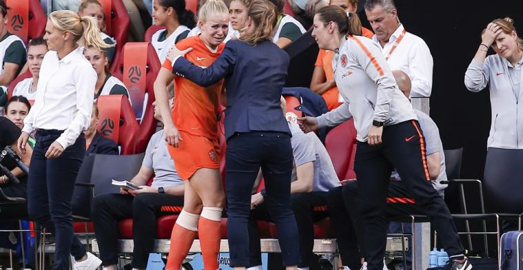 Update: Opsteker voor Oranje Leeuwinnen: Van Es meldt zich op trainingsveld
