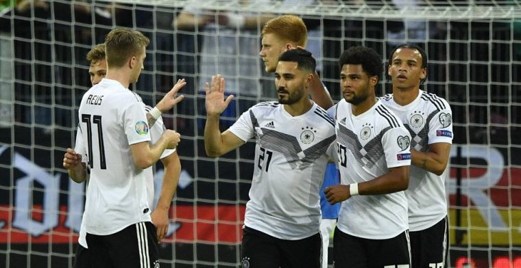 Oranje verder op achterstand: Duitsland wervelt, late zege voor Noord-Ierland