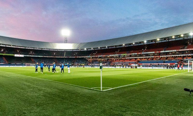 Afbeelding: 'Ajax en PSV in de lift, Feyenoord omlaag: organisatie k*t, jeugdspelers weg...'