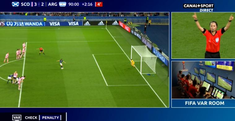 Complete chaos op WK: gemiste strafschop moet over, 3-0 voorsprong weggegeven