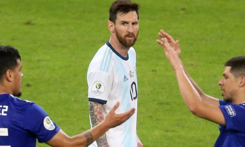 Afbeelding: Argentinië ontsnapt aan verlies na doelpunt Messi, Colombia wint Groep B