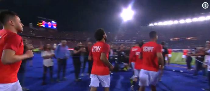 Emotie op de Afrika Cup: Salah krijgt tranen in zijn ogen van uitzinnig publiek