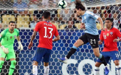 Afbeelding: Cavani kopt Uruguay naar groepswinst, Japan en Ecuador schakelen elkaar uit