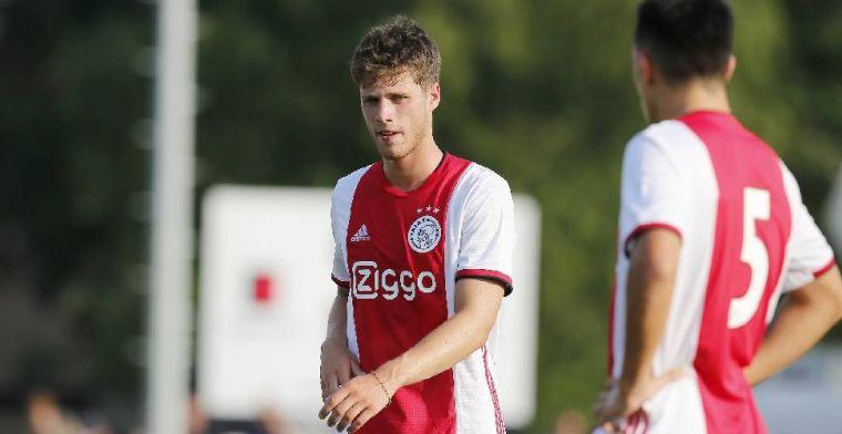 Ajax haalt uit en wint eerste oefenwedstrijd van het seizoen met dubbele cijfers