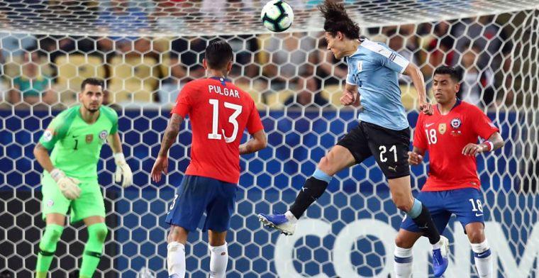 Cavani kopt Uruguay naar groepswinst, Japan en Ecuador schakelen elkaar uit