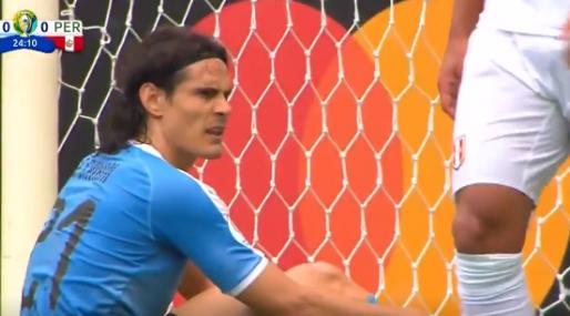 Afbeelding: Hoe dan: Cavani verprutst tot afgrijzen van Suarez een niet te missen kans