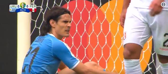 Hoe dan: Cavani verprutst tot afgrijzen van Suarez een niet te missen kans