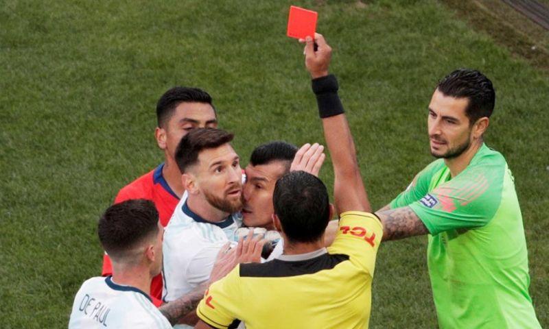 Afbeelding: Onrust na rood Messi: CONMEBOL en Argentinië gooien met modder