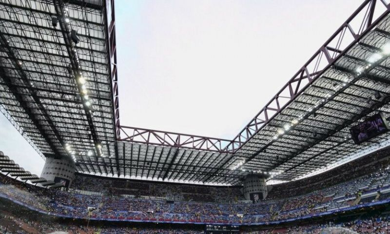 Afbeelding: AC Milan stelt San Siro open voor Champions League-debuut De Roon en Hateboer