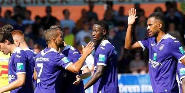 Thelin lijkt toekomst bij Anderlecht al te kennen: Dat blijft tussen ons