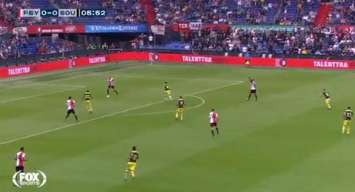 Rampstart voor Feyenoord in De Kuip: ongekende blunder Van Beek afgestraft