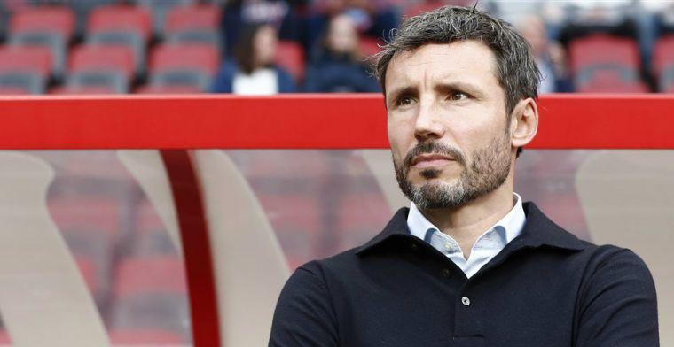 Van Basten ziet 'coach met problemen' bij PSV: 'Al die jongens hebben gebreken'
