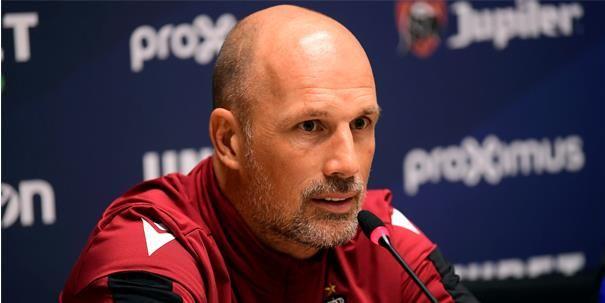 'Clement kiest bij afwezigheid van Sobol voor een verrassend spelsysteem bij Club'