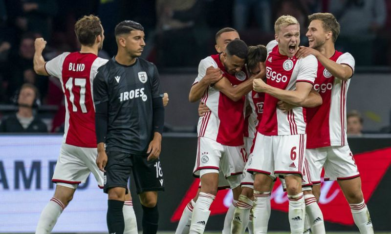 Afbeelding: Griekse pers razend door 'vreselijke' arbiter bij Ajax-PAOK: 'UEFA maffia'