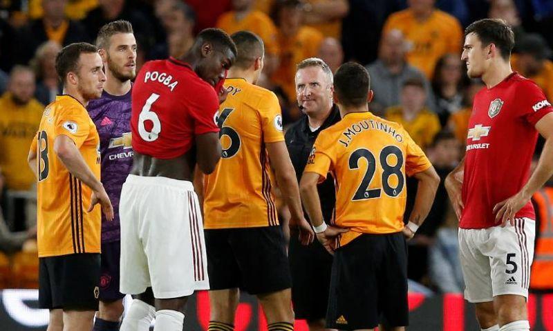 Afbeelding: Manchester United glijdt uit na gemiste penalty Pogba en speelt gelijk