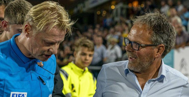 Blom keurt 3 (!) goals van Mühren af, rood voor trainer De Jong: 'Niet gescholden'