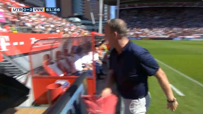 Van Den Brom (ex-Anderlecht) heeft het gemunt op VAR-scherm