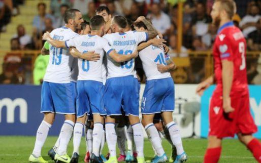 Afbeelding: Italië ploetert en legt tiental Armenen pas in de slotfase over de knie
